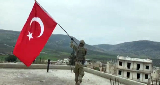 Racoya Türk bayrağı dikildi