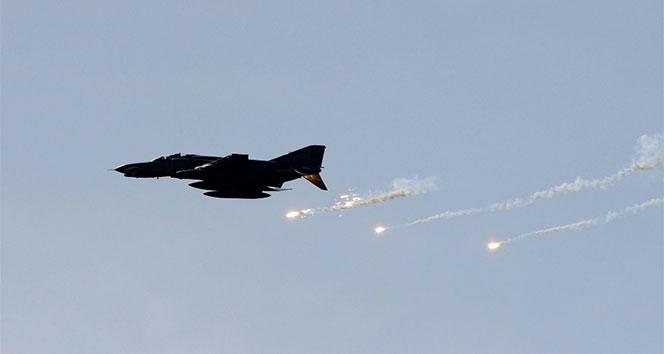 İsrail uçakları sivilleri bombaladı: 1 şehit, 14 yaralı