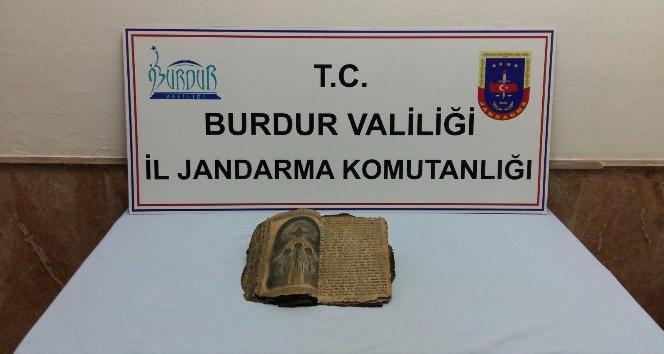 Bizans dönemine ait olduğu düşünülen dini kitap ele geçirildi
