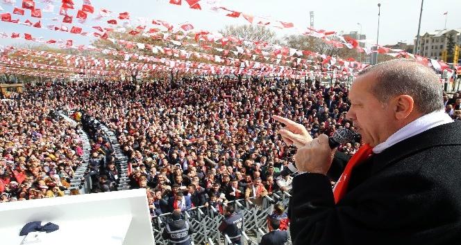 """Cumhurbaşkanı Erdoğan: """"Şu anda 2 bin 960, inşallah bu akşama kadar o 3 bini aşar"""
