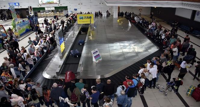 Havayolu yolcu trafiği ilk iki ayda yüzde 23,1 arttı