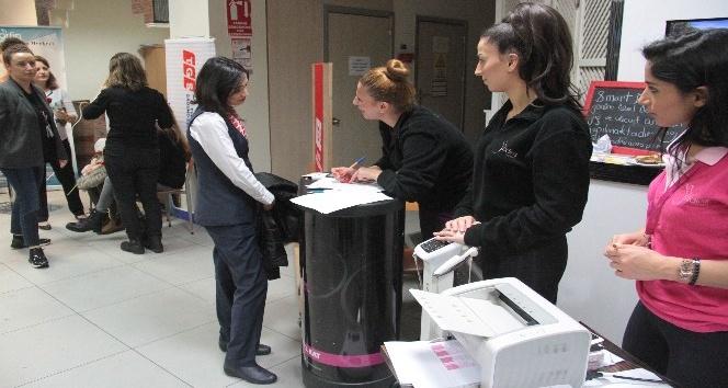 Atatürk Havalimanı apronunda Kadınlar Günü'ne özel etkinlik