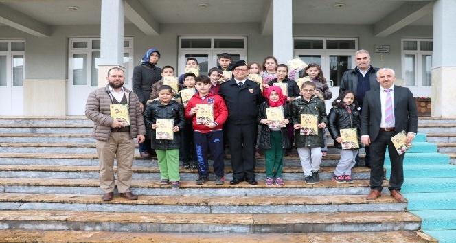 İmam Hatip öğrencilerinden Mehmetçik Vakfı'na bağış