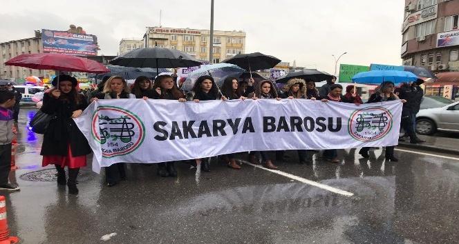 Sakarya'da kadınlar 8 Mart için yürüdü