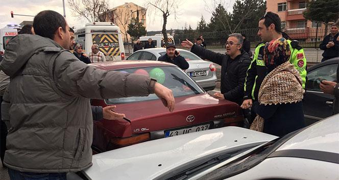 Kütahyada zincirleme trafik kazası: 1 yaralı