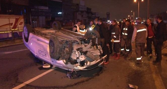 Başkent'te otomobil refüje çarpıp takla attı: 3 yaralı