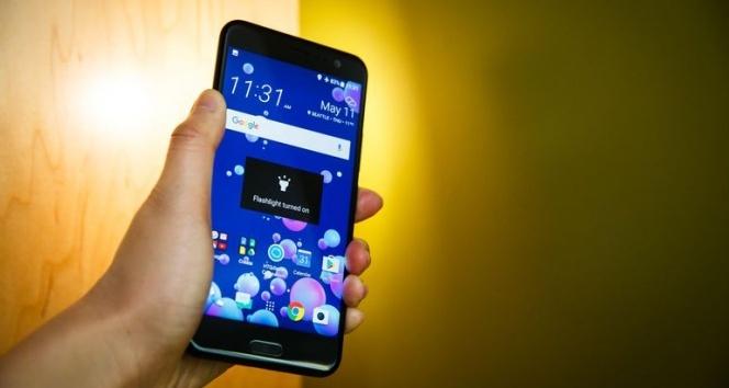 HTC'nin en yeni son model telefonu nedir? | HTC'nin en yeni telefonunun fiyatı nedir?