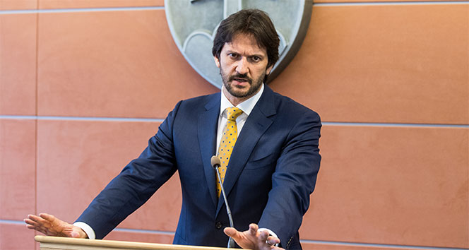 Slovakya İçişleri Bakanı Kalinak istifa etti