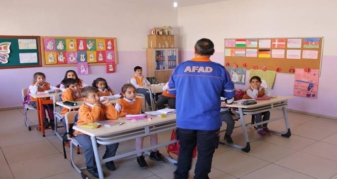 Tunceli'de öğrencilere afet bilinci eğitimi