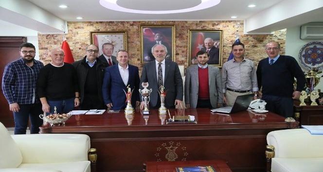 Kamil Saraçoğlu: Şampiyon olan takımlarımızı tebrik ediyor, başarılarının devamını diliyorum
