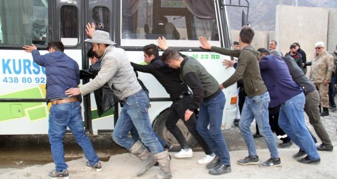 Şemdinlide trafik kazası: 2 yaralı