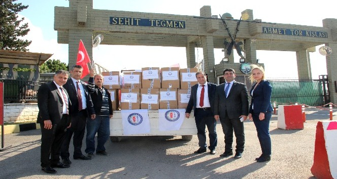 Sivil memurlardan Mehmetçik'e temizlik malzemesi yardımı