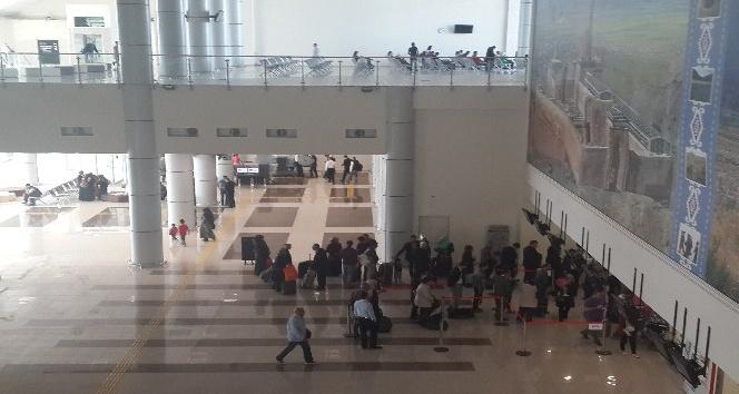 Ahmed-i Hani Havalimanı'nda yolcu sayısı yüzde 14 arttı