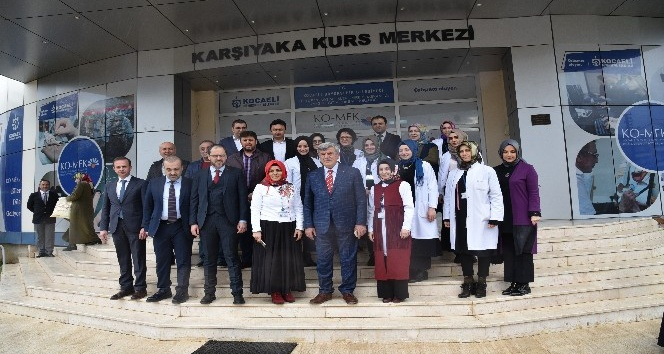 Başkanlar, Başiskele'deki kurs merkezlerini ziyaret etti