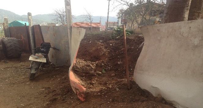 Osmaneli'de motosiklet bahçeye uçtu: 1 yaralı