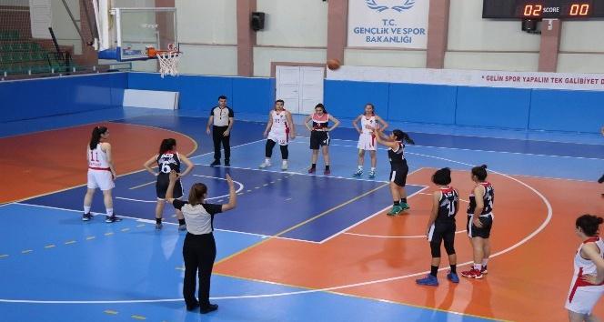 U16 kulüplerarası kız basketbol grup müsabakaları başladı