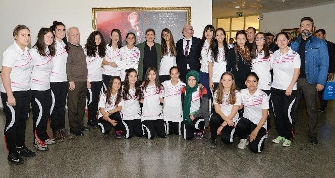 Aydın Büyükşehir amatör spora desteğe devam ediyor