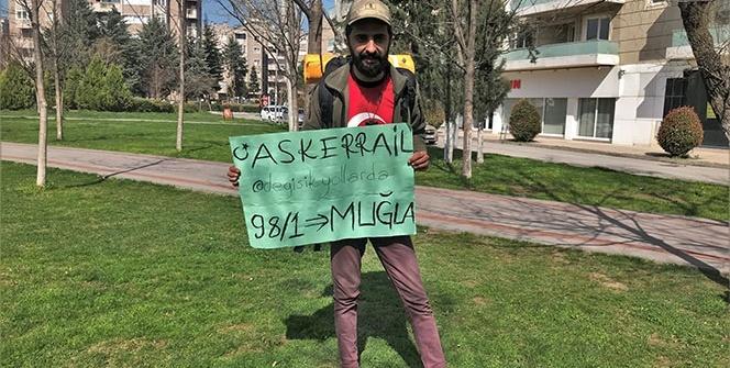 Vatani görevi için İstanbul'dan Muğla'ya otostopla gitti