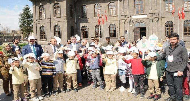 Diyarbakır'da 10 bin çocuk müze ile buluşuyor