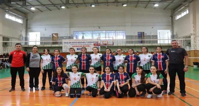Eyüpsultan'da 'Okullar arası voleybol turnuvası' başladı