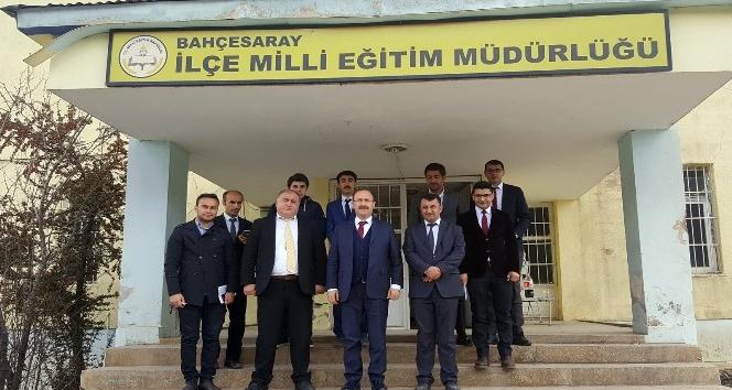 Temel Eğitim Genel Müdürlüğü Daire Başkanı Eriş Van'da ilçeleri ziyaret etti