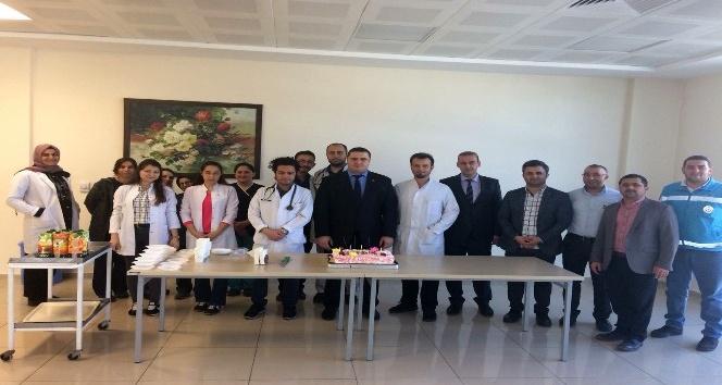 Sağlık çalışanları tıp bayramını kutladı