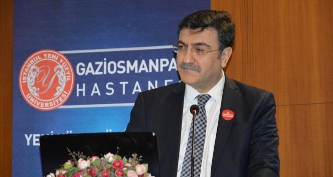 """Prof. Dr. Hacısalihoğlu: """"Tıbbiyeliler bugün de istiklal meşalesi"""""""