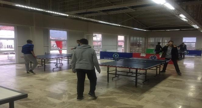 Büyükorhan'da çocuklar spora doyuyor
