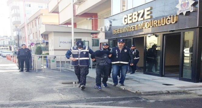 Gündüz vakti girdikleri evi soyan 3 hırsız tutuklandı