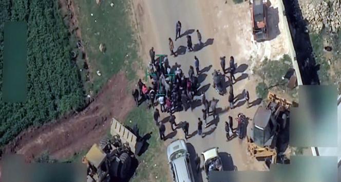 Teröristler, Afrini terk etmek isteyen sivilleri engelliyor