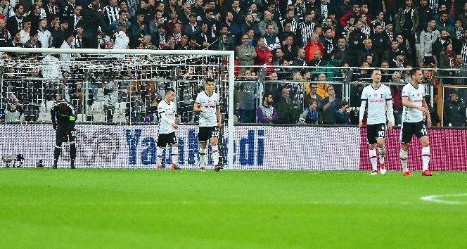 UEFA Şampiyonlar Ligi: Beşiktaş: 0 - Bayern Münih: 1 (İlk yarı)