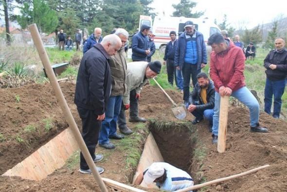 Cenazelerin karıştığı gömülünce anlaşıldı