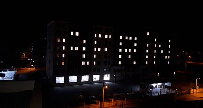 Yurt binasını Afrin yazısıyla aydınlattılar