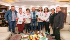 Başkan Salman Yalovalı okçuları ağırladı