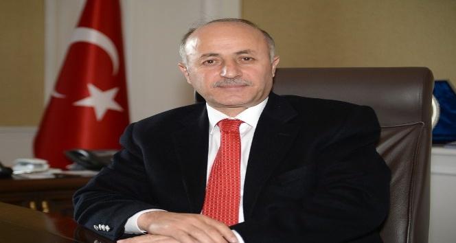 """Vali Azizoğlu: """"Yaşlılara gösterilen önem, o toplumun uygarlık göstergesi olarak değerlendirilmektedir"""""""