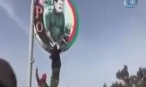 Afrinde Öcalan posterleri parçalandı