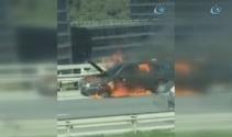 TEM Otoyolunda araç alev aldı ! Yol trafiğe kapatıldı