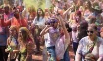Holi Festivali yine renk saçacak
