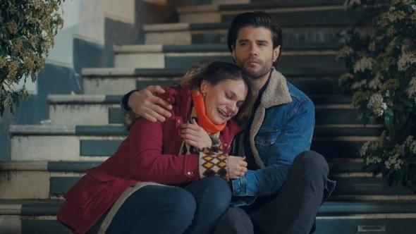 Kanal D'nin iddialı dizisi Gülizar, final yaptırılmadan yayından kaldırıldı