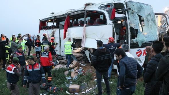 Ankara-Aksaray yolunda kaza! Ölü ve yaralılar var