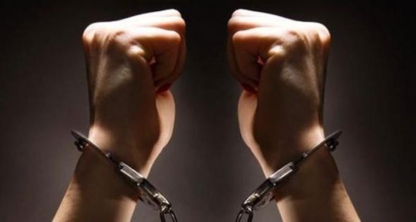 Göçmen kaçakçısı şebekeyle irtibatlı çıkan emniyet müdürüne gözaltı