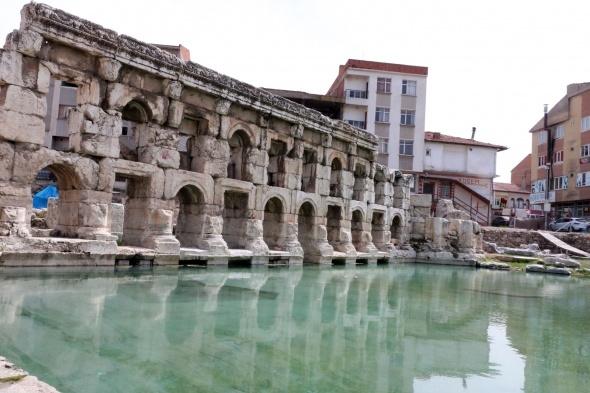 2 bin yıllık hamamın dünyada üçüncüsü yok