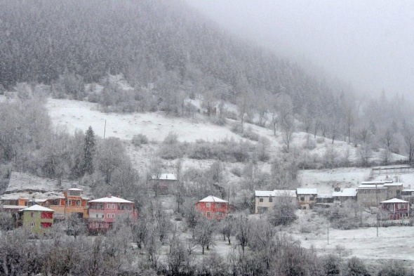 Gümüşhane'nin yüksek kesimlerinde kar yağışı sürprizi