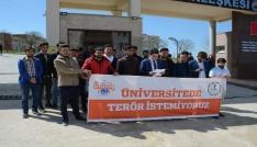 AK Partili gençler saldırıyı protesto etti