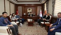 Vali Pehlivan Katar ve Lübnanlı yatırımcılarla görüştü
