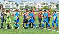 U16 Türkiye Futbol Şampiyonası  heyecanı Osmaniyede yaşanıyor