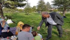 Niğde Belediye Başkanı Özkan Kent Ormanında vatandaşla buluştu