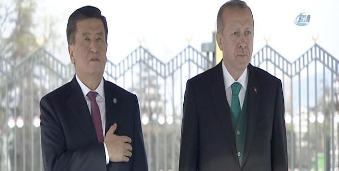 Cumhurbaşkanı Erdoğan, Kırgız lider Ceenbekov'u Külliyede karşıladı