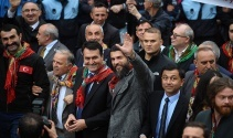 Diriliş Ertuğrul Dizisi'nin ünlü oyuncuları fetih yürüyüşünde