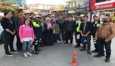 AK Gençlikten polise pastalı bayram sürprizi